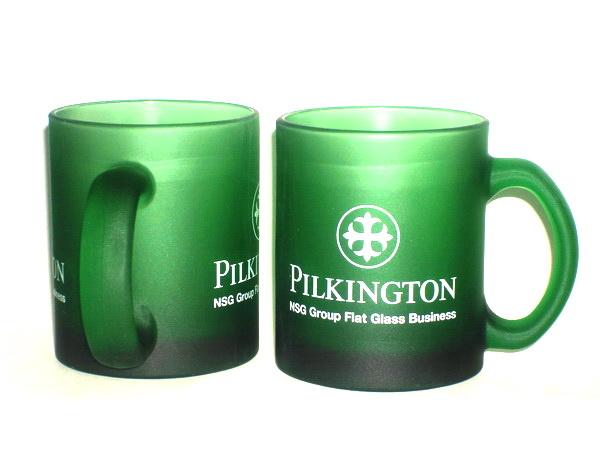 Зеленые кружки Senator с логотипом Пилкингтон