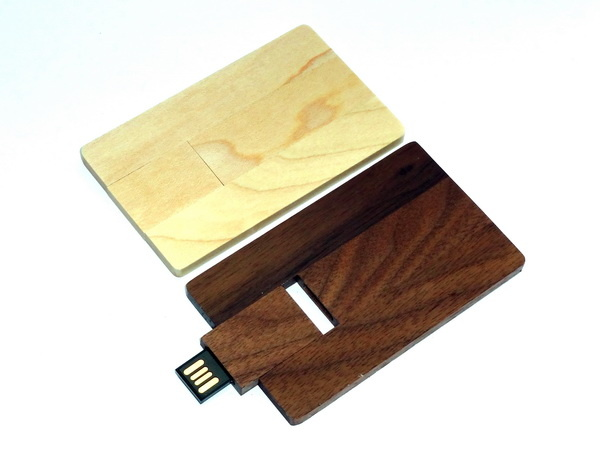 Новинка: деревянные флешки - кредитки для нанесения логотипа фирмы