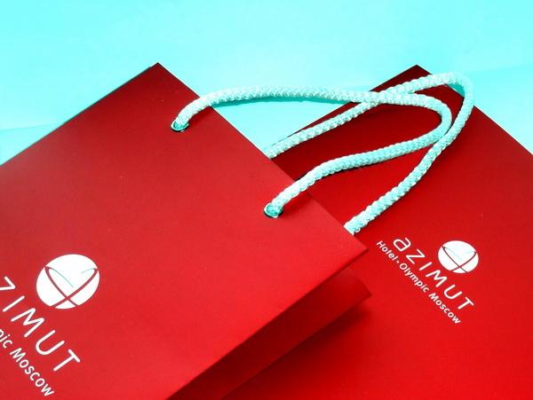 Бумажные пакеты с веревочными ручками и логотипом Azimut отель Олимпик. Москва.