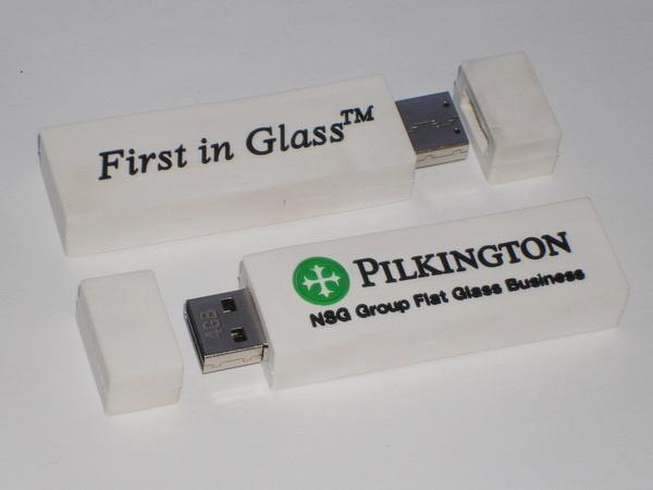 Флешки с логотипом Pilkington авторского дизайна